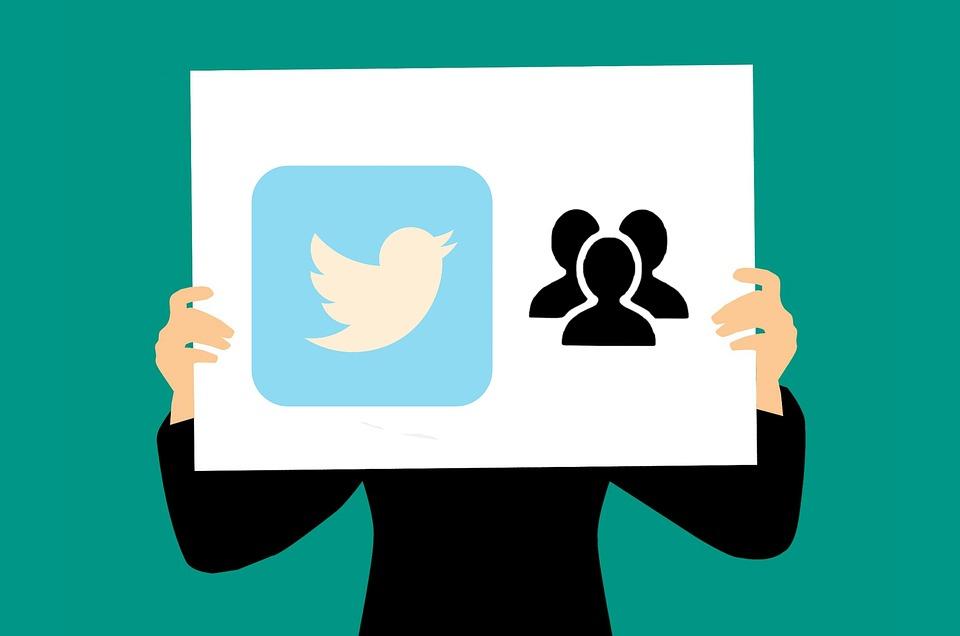バズるツイートを誘発させる鉄板ネタ6選のイメージ画像